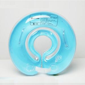 salvagente al collo, acquaticità neonatale, bimbi in acqua